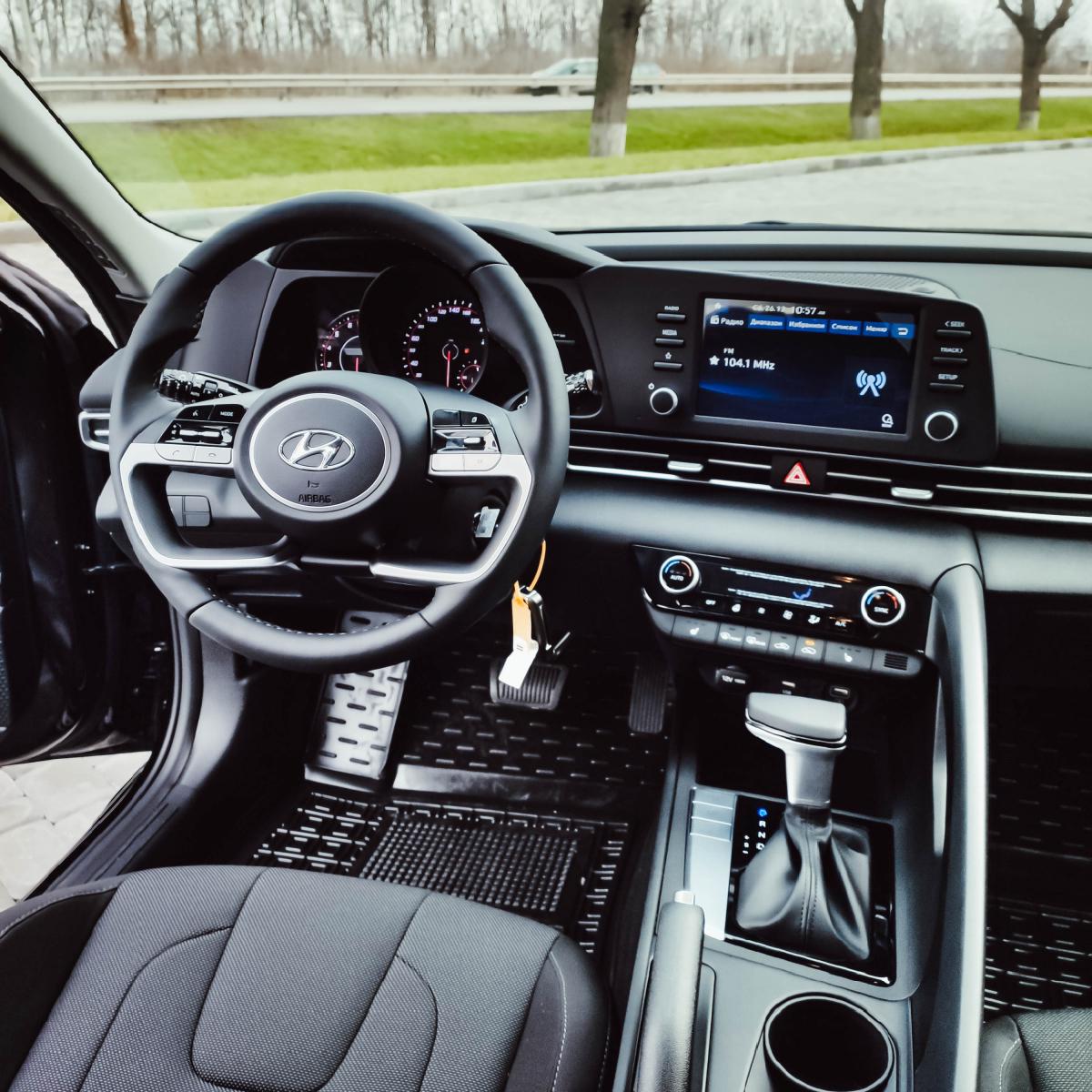 Поставте під сумніви старі правила разом з Hyundai New Elantra!   Хюндай Мотор Україна - фото 15