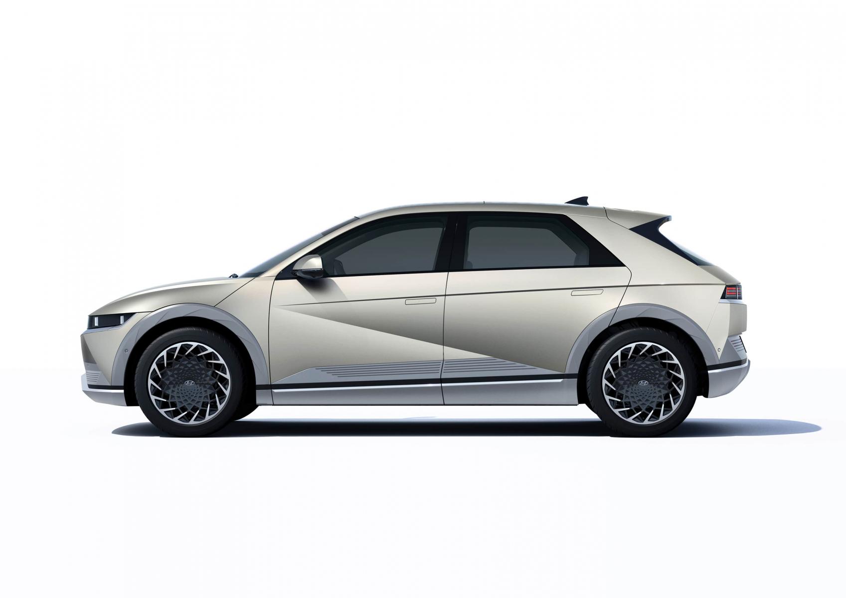 Hyundai IONIQ 5 переосмислює спосіб життя з електричною мобільністю | Автоберег - фото 12